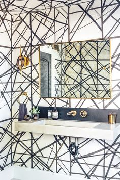 Like the wallpaper even though I Am not a wall paper person. Don't care for the backsplash or mirror. megan tagliaferri / belmont shore residence, long beach Kelly Wearstler for Lee Jofa Wallpaper brass bathroom fixtures wall mounted faucet B&w Wallpaper, Powder Room Wallpaper, Bathroom Wallpaper, Graphic Wallpaper, Wallpaper Ideas, Trellis Wallpaper, Wallpaper Magazine, Trendy Wallpaper, Pattern Wallpaper