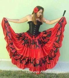 Modelo veludo com floral saia cigana floral gypsy skirt dança cigana gypsy dance floral skirt www.facebook.com/ateliecigano