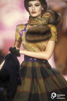 Karen Mulder - Valentino, Autumn-Winter 1991, Couture