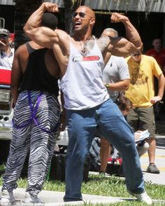 the Rock #DwayneJohnson shows off his natural bodybuilder look for #PainAndGain movie