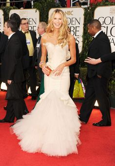 Loving the mermaid wedding style dress Elle MacPherson walked the red carpet in