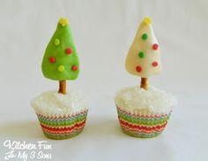 Kitchen Fun With My 3 Sons: Tootsie Tree Christmas Cupcakes