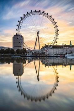 The Best 13 Things to Do in London with Kids There are so many incredible family-friendly things to enjoy in England's bustling capital city. Don't miss these 13 great things to do with kids . London Eye, London City, Oh The Places You'll Go, Places To Travel, Places To Visit, London Photography, Travel Photography, Life Photography, London With Kids