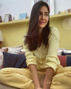 Bollywood Celebrities, Bollywood Actress, Salman Katrina, Ali Abbas Zafar, Ek Tha Tiger, Katrina Kaif Photo, Arjun Kapoor, Amitabh Bachchan, Haircuts For Long Hair