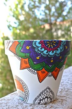 Arts And Crafts Projects, Fun Crafts, Diy And Crafts, Decorated Flower Pots, Concrete Pots, Painted Pots, Terracotta Pots, Mosaic Art, Pottery