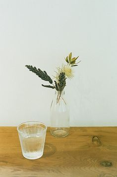 Simple and pretty flowers for a table