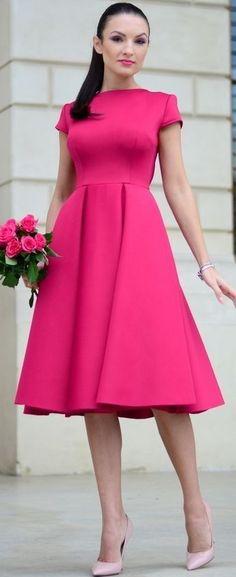 Fuchsia Midi Dress Holiday Style Inspo by My Silk Fairytale - fuchsia Modest Dresses, Pretty Dresses, Beautiful Dresses, Short Dresses, Formal Dresses, Modest Fashion, Fashion Dresses, Jw Mode, Dress Skirt