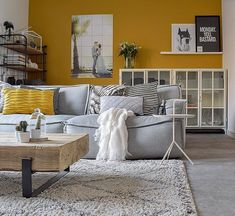 Living trend: (ocher) yellow interior InteriorTwin - Are you so crazy about yellow at home? I have had yellow furniture and accessories here for years. Scandi Living Room, Living Room Decor, Living Rooms, Living Room Yellow, Living Spaces, Mustard Walls, Yellow Interior, Indian Home Decor, Decoration