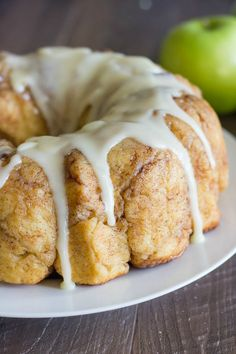Apple Cinnamon Pull Apart Bread With Apple Cider GlazeIf you're a fan of apple pie, we highly recommend trying this sticky-sweet fruity take on monkey bread. #refinery29 http://www.refinery29.com/monkey-bread-recipes#slide-2