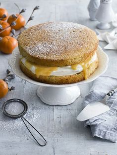 Victoria sponge with spiced Christmas curd - This recipe for Victoria sponge with spiced Christmas curd is an easy, festive twist on a classic cake - perfect for festive baking. food photography, food styling, cake photography