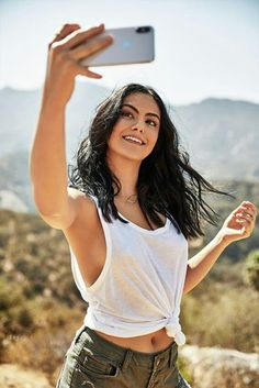 [REQUEST] Camila Mendes who plays Veronica Lodge on Riverdale. Photo from Mens Health. The Veronicas, Camila Mendes Veronica Lodge, Camila Mendes Riverdale, Riverdale Veronica, Camilla Mendes, Riverdale Characters, Isabelle Huppert, Riverdale Cast, Riverdale Memes