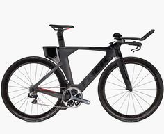 Trek Speed Concept 9.9 triathlon race bike, with 600 Series OCLV Carbon, KVF (Kammtail Virtual Foil) tube, BB90 w/Speed Fin, DuoTrap compatible, Speed Box II compatible, ForkSC full foil carbon, integrated brake & stem; Bontrager Aeolus 5 D3 Tubeless ready wheels and Bontrager R4 Aero aramid bead tyres trekbikes.com