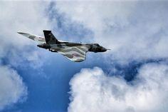 Lovely shot of the Vulcan over Doncaster #XH558fanpics #XH558 #Vulcan