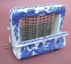 blue willow flour sifter   1920s Blue Willow Toastrite electric toaster. Decorative china ...