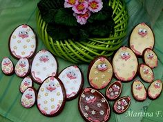 Velikonoční perníčky Easter Recipes, Decorative Plates, Sugar, Cookies, Box, Tableware, Animals, Crack Crackers, Easter Cookies