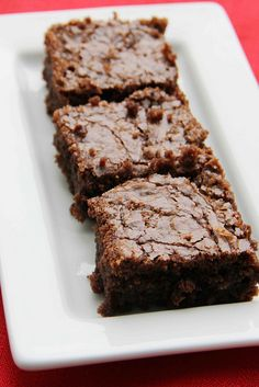 Nutella Brownies - I cut this recipe in half and used 4 mini pyrex glass baking cups to make brownie bowls for ice cream. No Bake Desserts, Just Desserts, Delicious Desserts, Dessert Recipes, Yummy Food, Baking Desserts, Baking Cups, Nutella Brownies, No Bake Brownies