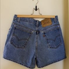 High waist vintage Levi's 8 High waist, worn maybe 2x, size 8, bought from Urban Oufitters Levi's Shorts Jean Shorts