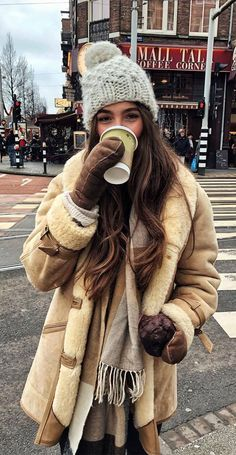 Winter Mode Outfits, Casual Winter Outfits, Winter Fashion Outfits, Autumn Winter Fashion, Fall Outfits, Winter Layering Outfits, Winter Outfits Women, Women's Casual, Emo Fashion