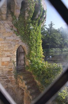Scotney Castle ... a close-up of the tower, it's door and steps.