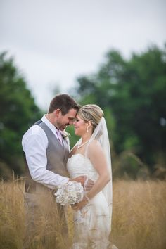 A Natural, Country-Chic Wedding at Meadow Ridge Events in Windsor, Ohio