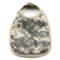Buy for your baby a camo baby bib which are very soft made from pure cotton whose colors are stylish and absolutely wonderful for baby shower gifts. Camo Baby Clothes, Camo Baby Stuff, Marine Corps Baby, Baby Gift Sets, Baby Sewing, Baby Bibs, Baby Bodysuit, Baby Shower Gifts, Baby Shoes