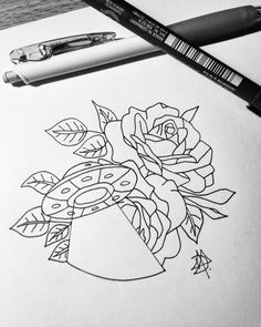 #ovni #alien #roses #draw #sketch #tattoo #UFO                                                                                                                                                                                 Mais