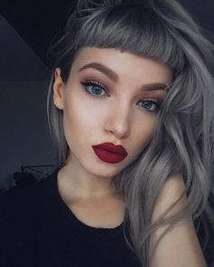New hair color silver short bangs Ideas Ombré Hair, Hair Dos, New Hair, Baby Bangs, Short Bangs, Hairstyles With Bangs, Short Fringe Hairstyles, Bridal Hairstyles, African Hairstyles