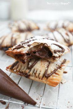 Easy banana & nutella puff pastry parcels recipe - My CMS Nutella Puff Pastry, Puff Pastry Dough, Puff Pastry Recipes, Puff Recipe, Easy Puff Pastry Desserts, Pastries Recipes, Nutella Recipes, Vegan Recipes, Baking Recipes