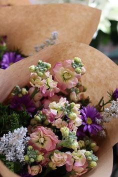Floral Wreath, Wreaths, Flowers, Door Wreaths, Deco Mesh Wreaths, Garlands, Royal Icing Flowers, Floral Arrangements, Flower