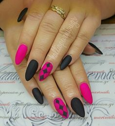 #nails #nailart #matte #handpaintingdesign #beautymakesyouhappy