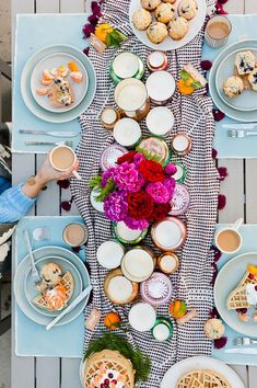 A holiday-inspired brunch, loaded with easy DIYs and a recipe for spiced belgian waffles, in partnership with @tazotea. #ad