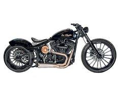"Studio Shots of ""Johnny Cash""! Cafe Racer Helmet, Cafe Racer Girl, Cafe Racer Bikes, Cafe Racer Motorcycle, Motorcycle Garage, Motorcycle Helmets, Harley Davidson Chopper, Harley Davidson Street, Women Motorcycle Quotes"