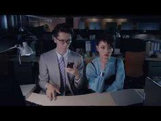 25センチのイヤホンケーブルでつながれたまま男女がダンス/ボーズ「Bose EARPHONE DANCING (MERRY XMAS!)」 #ブレーン | AdverTimes(アドタイ)