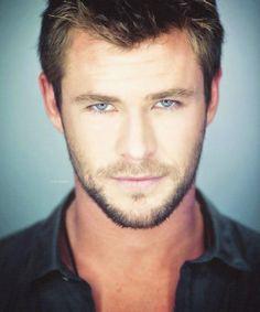Chris Hemsworth look at those blue eyes
