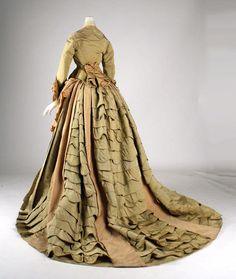 She got train, yo.  Dress ca. 1872 via The Costume Institute of The Metropolitan Museum of Art