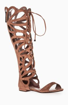 DailyLook: Scalloped Gladiator Sandals