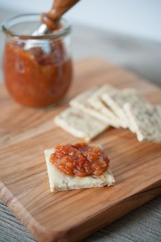 Tomato Jam with canning instructions. Grown-up version of ketchup great for burgers and on crackers. Paleo friendly and gluten-free. Paleo Recipes Easy, Gluten Free Recipes, Real Food Recipes, Paleo Food, Summer Recipes, Chocolates, Canning Recipes, Canning 101, Jam Recipes