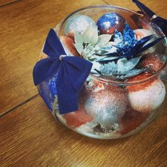 Christmas Bulbs, Christmas Decorations, Holiday Decor, Snow Globes, Diy, Home Decor, Decoration Home, Christmas Light Bulbs, Bricolage