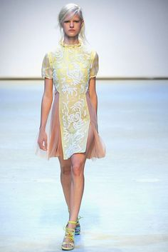 Christopher Kane Spring 2010 Ready-to-Wear - Collection - Gallery - Look 31 - Style.com
