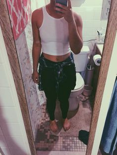 Concert outfit for Chance the Rapper :-)  • Crop Top: Charolette Russe • Leggings: Garage  • Flannel: Forever 21  #concert #outfit #ootd #ChanceTheRapper #Bellyring #Croptop #blackleggings #flannel #flannelaroundthewaist #nightout #grunge
