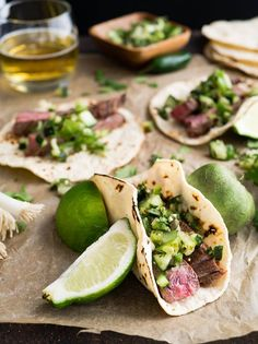 Nothing beats flank steak tacos with fresh lime and coriander on a breezy Sunday evening. What are you having for dinner? Nothing beats flank steak tacos with fresh lime and coriander on a breezy Sunday evening. What are you having for dinner? Authentic Mexican Recipes, Mexican Food Recipes, Mexican Dishes, Flank Steak Tacos, Brisket Tacos, Smoked Brisket, Beef Carnitas, Brisket Burger, Rinder Steak