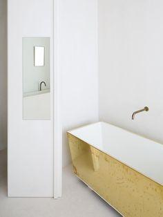 Bathroom | Britselei Penthouse by Hans Verstuyft Architecten | est living
