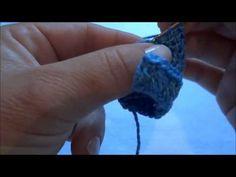 Lembrancinha Macacão em Crochê (Primeira parte) - YouTube штанишки, часть первая