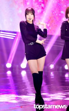 Gfriend Yuju, Gfriend Sowon, Pop Group, Girl Group, Stage Outfits, Kpop Outfits, G Friend, Music Photo, Girlfriends