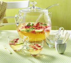 Unser beliebtes Rezept für Mai-Bowle mit Erdbeeren und Minze und mehr als 55.000 weitere kostenlose Rezepte auf LECKER.de.