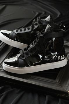 STANDING LIVE TOUR 14 HERESY LIMITED PULSE WRIGGLING TO DIM SCENE, SNEAKERS BLACK
