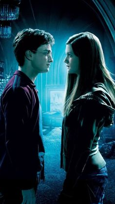 samsung wallpaper harry potter Harry Potter and the Half-Blood Prince Phone Wallpaper Harry Et Ginny, Harry Potter Ginny Weasley, Harry James Potter, Harry Potter Cast, Harry Potter Characters, Harry Potter Books, Harry Potter Universal, Harry Potter World, Hermione Granger