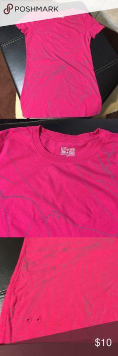 CONVERSE T SHIRT Excellent condition t shirt Converse Tops Tees - Short Sleeve