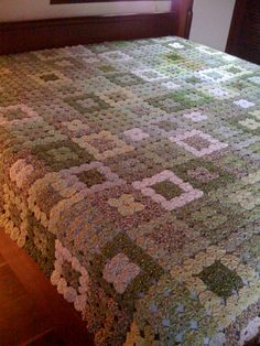 King size Yoyo coverlet !! - I have always wanted to make one of these, only in all white!