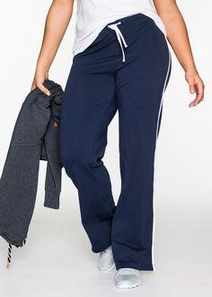 Pantaloni da jogging Blu scuro - bpc bonprix collection è ordinabile nello shop on-line di bonprix.it da ? 12,99. Look classico e sempre attuale per questi ...